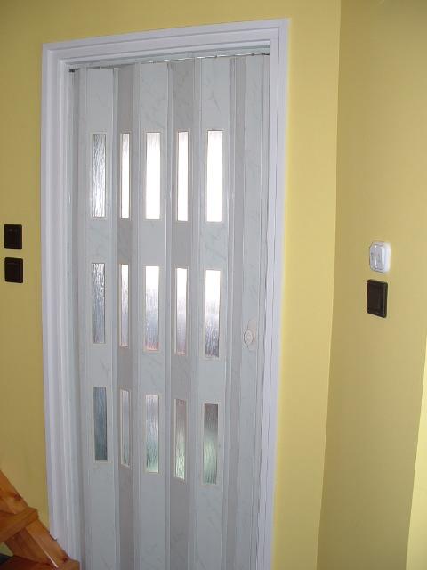 Harmonika ajtó - Jász-Pap Árnyékolástechnika